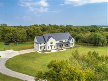 Warm and Inviting house luxury properties