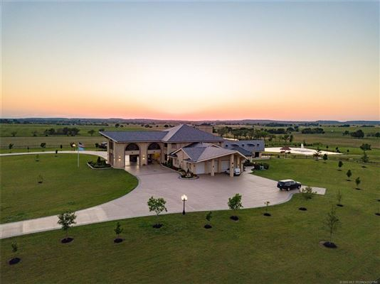 exquisite home on 28 acres luxury properties