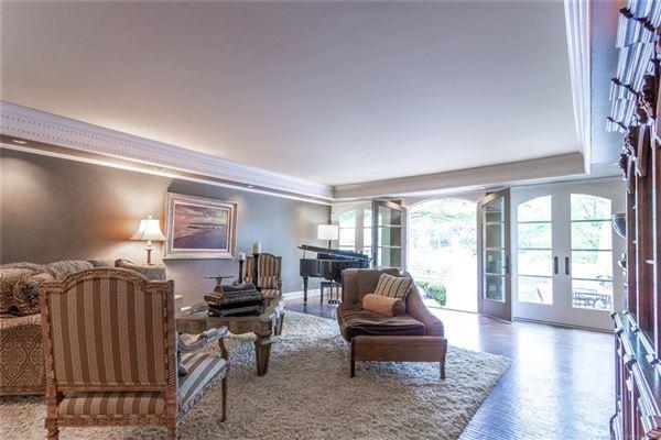 resort-like Builders personal custom home luxury properties