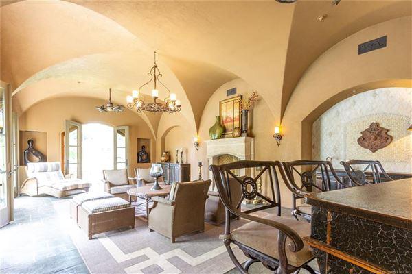 resort-like Builders personal custom home mansions