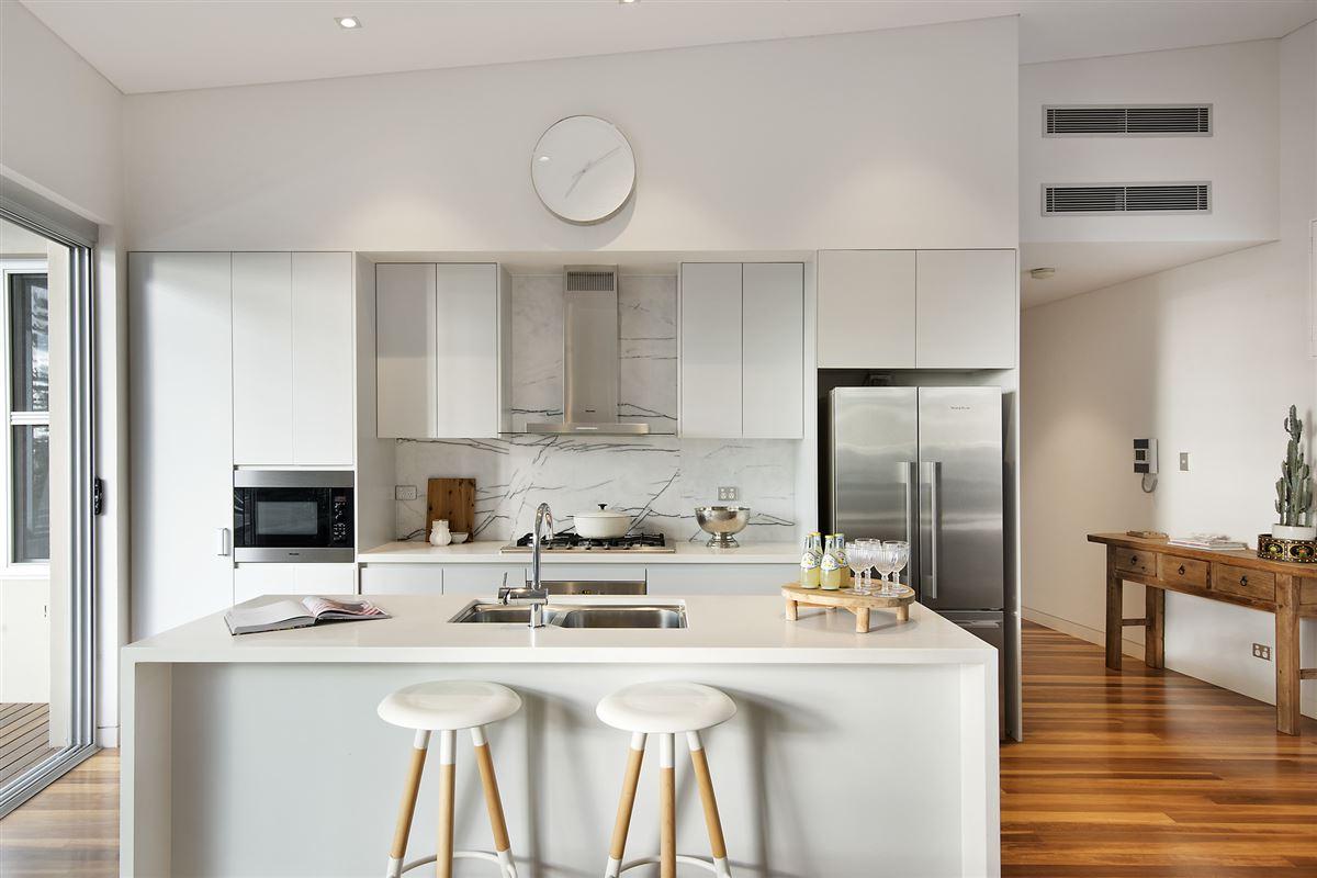 Luxury homes contemporary Oceana apartment