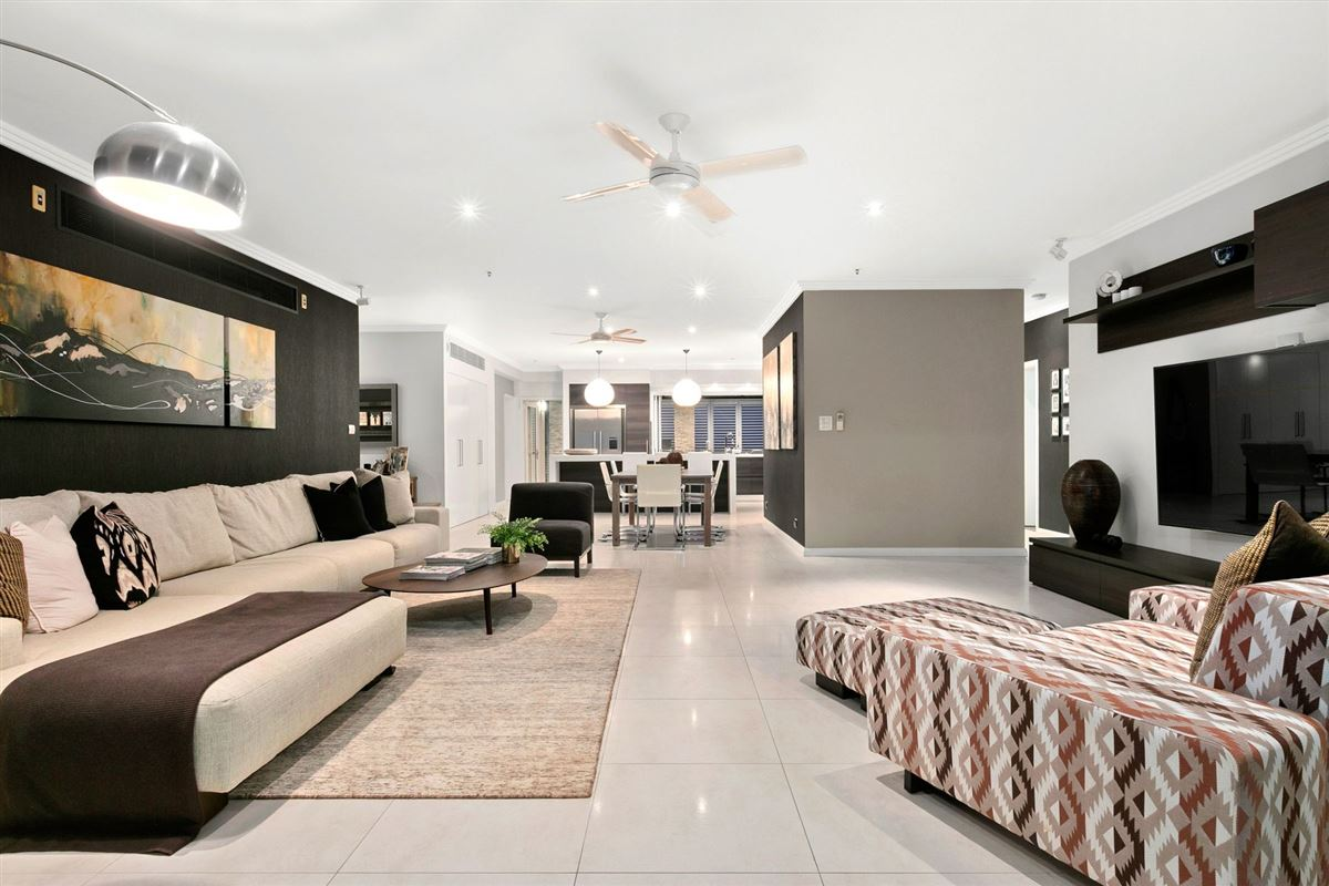 Luxury real estate a stunning and elegant residence
