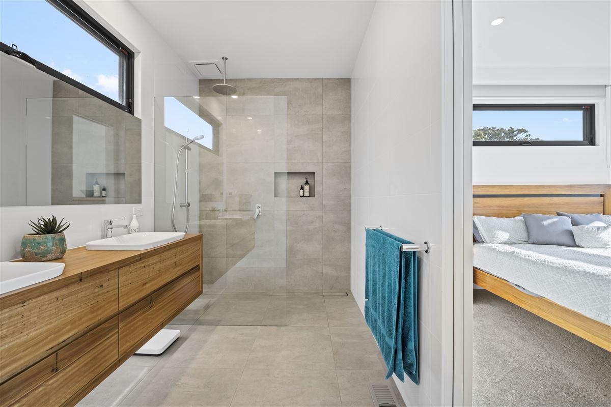 modern seaside masterpiece luxury properties