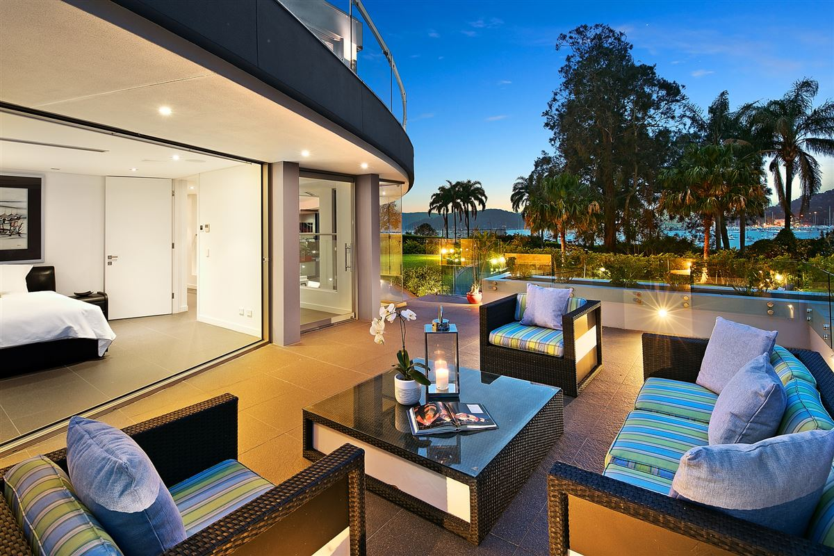 a remarkable residence by every standard luxury homes