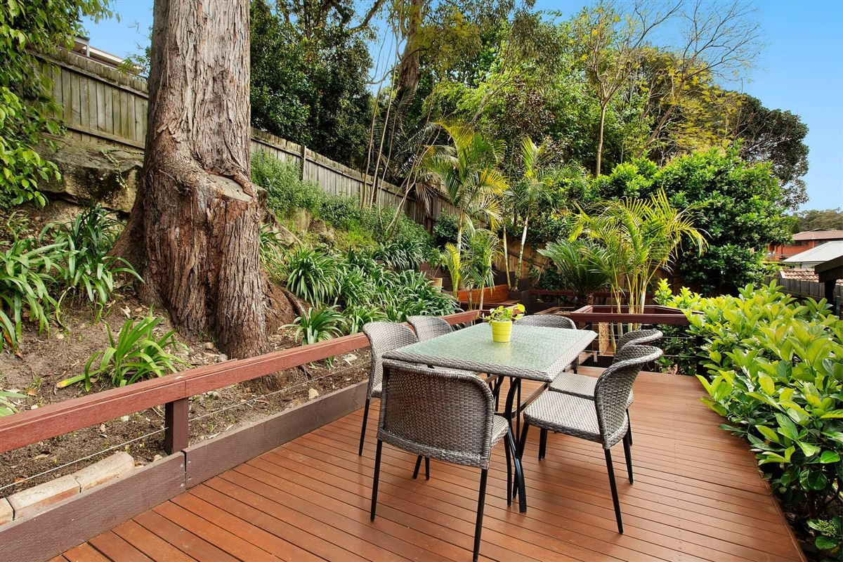 Luxury properties Immaculate Residence in Superb Location