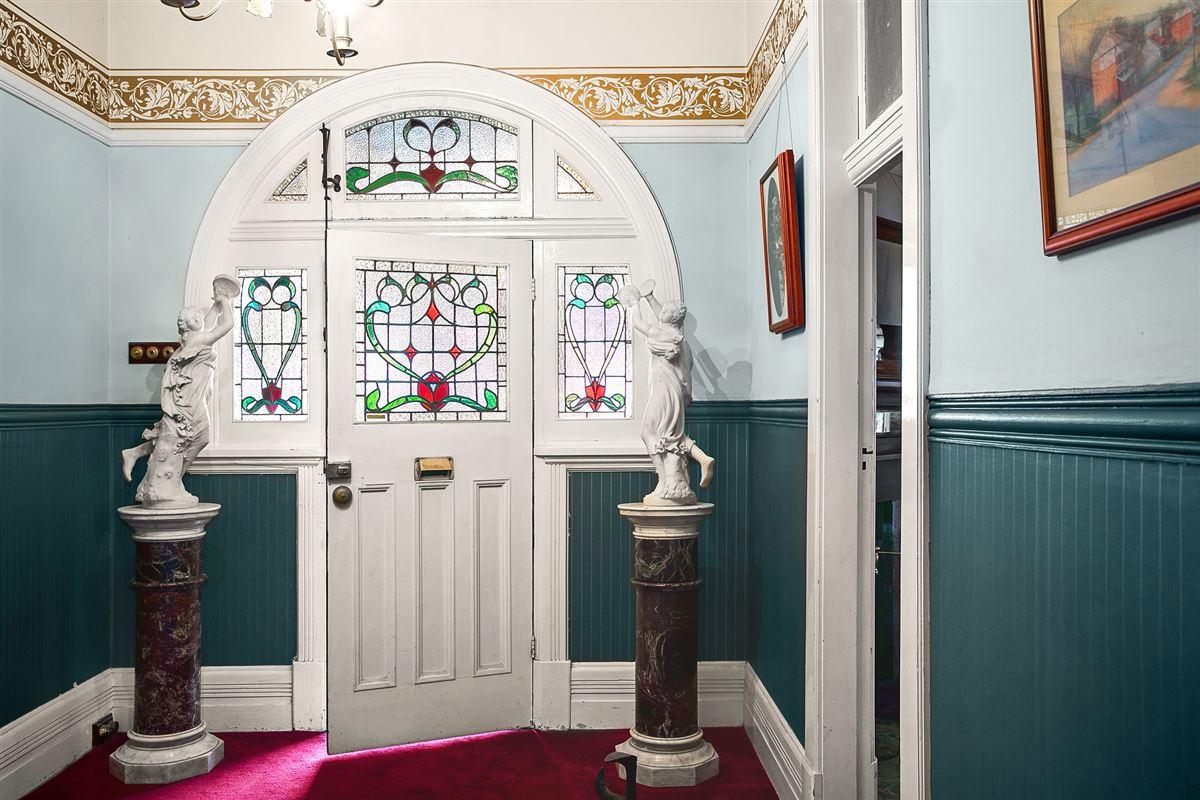 Traditional elegance luxury real estate
