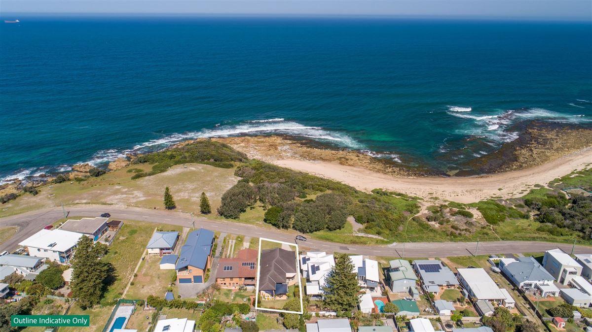Luxury homes Beachfront Bliss