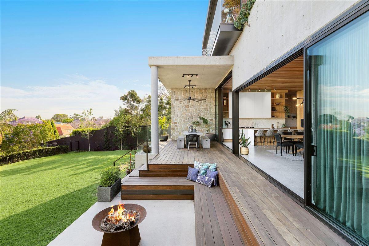 premium-quality construction luxury properties