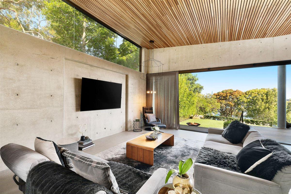 premium-quality construction mansions