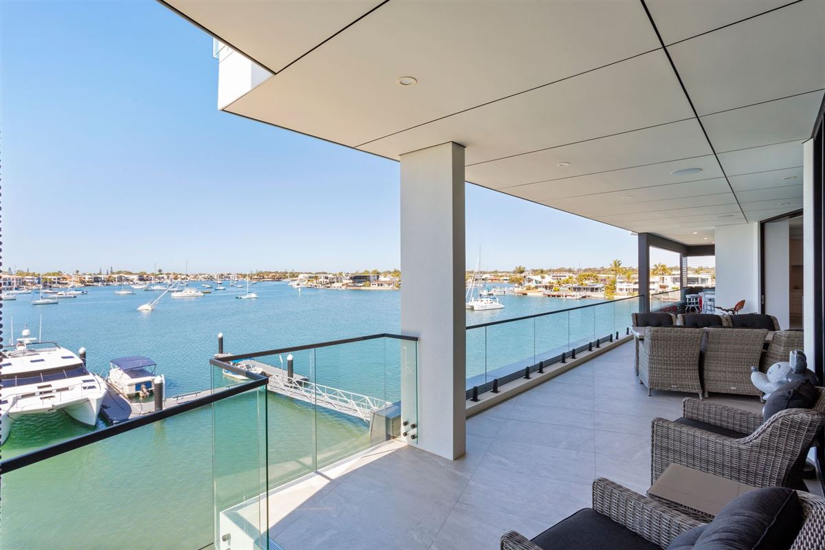 The pinnacle of waterfront apartment living luxury homes