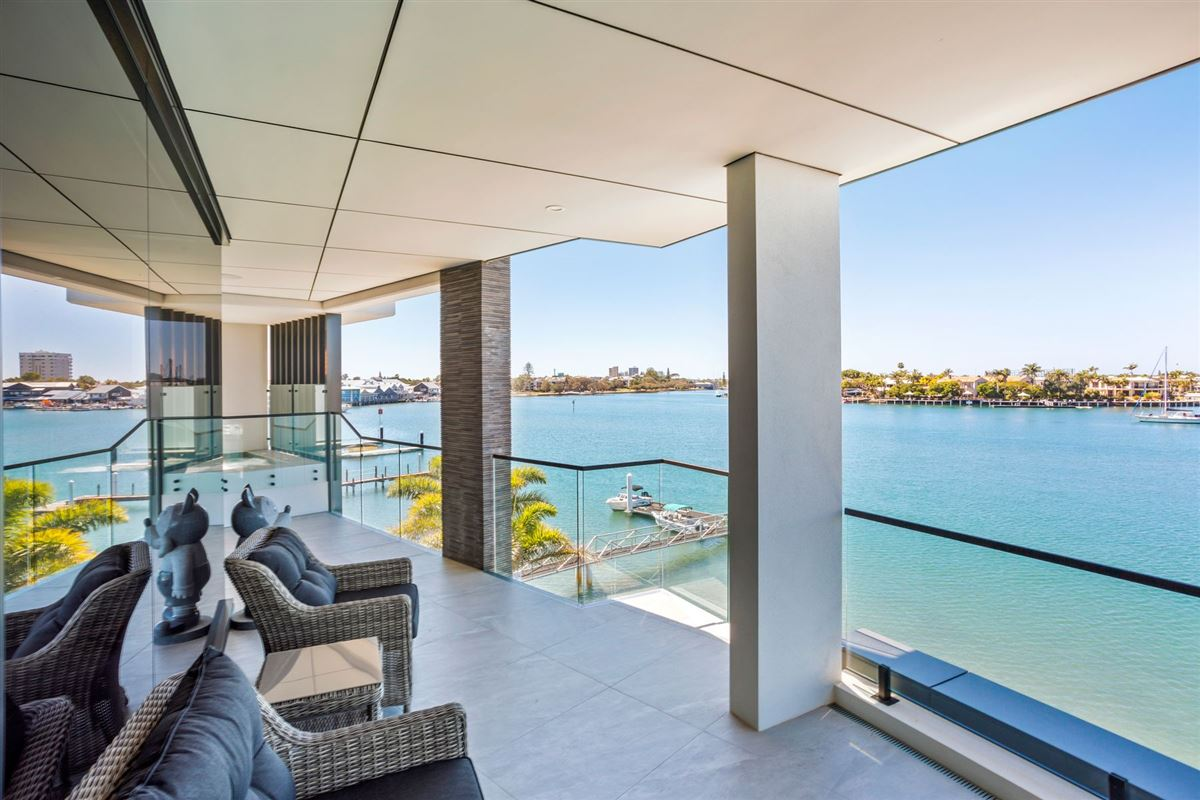 Luxury homes The pinnacle of waterfront apartment living