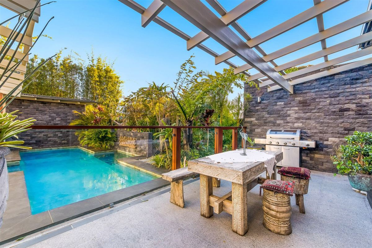 Luxury real estate resort-style luxury living