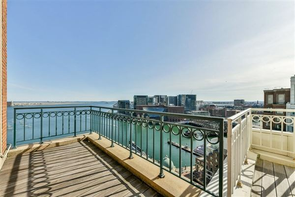 Luxury homes premier penthouse atop Rowes Wharf