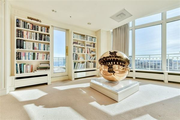 premier penthouse atop Rowes Wharf luxury properties