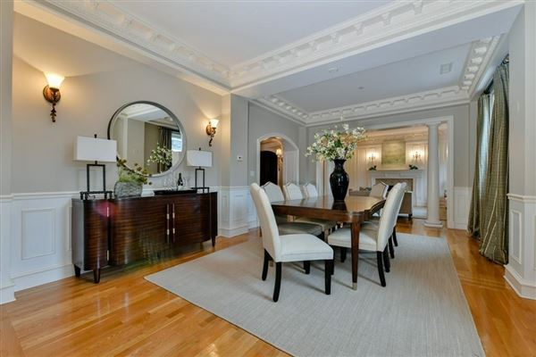 dramatic and sophisticated floor-through home luxury properties