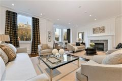 Luxury homes in the Penthouse at 35 Commonwealth Avenue