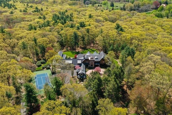 Magnificent shingle style estate on four acres luxury properties