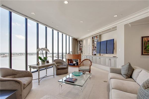 Luxury homes magnificent top floor corner Penthouse
