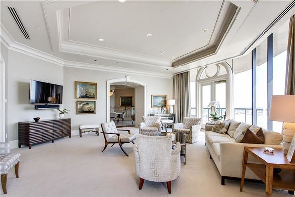 magnificent top floor corner Penthouse luxury real estate