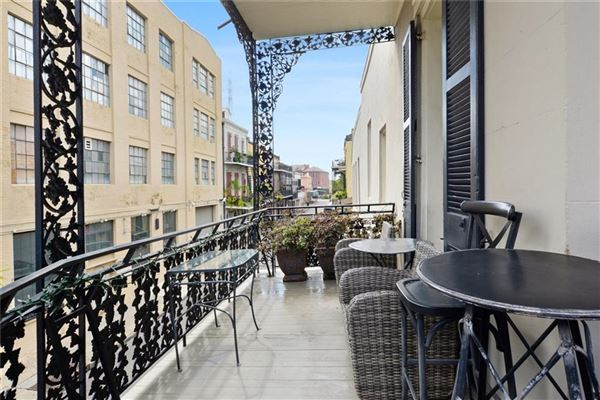 Luxury homes French Quarter Magnificence