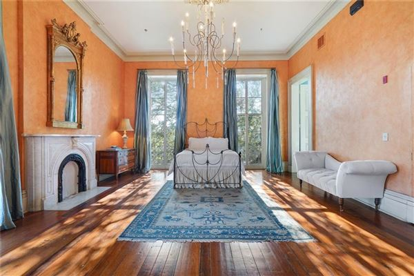 Luxury homes in beautiful historic estate in the Marigny