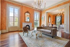 beautiful historic estate in the Marigny mansions