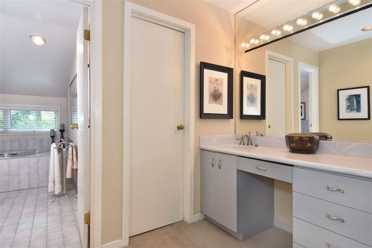 Luxury properties Elegant contemporary country living