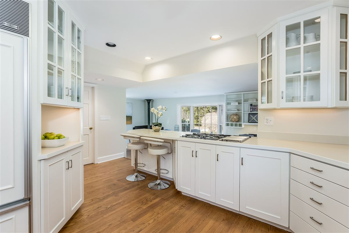 sought-After cul-De-Sac four bedroom mansions