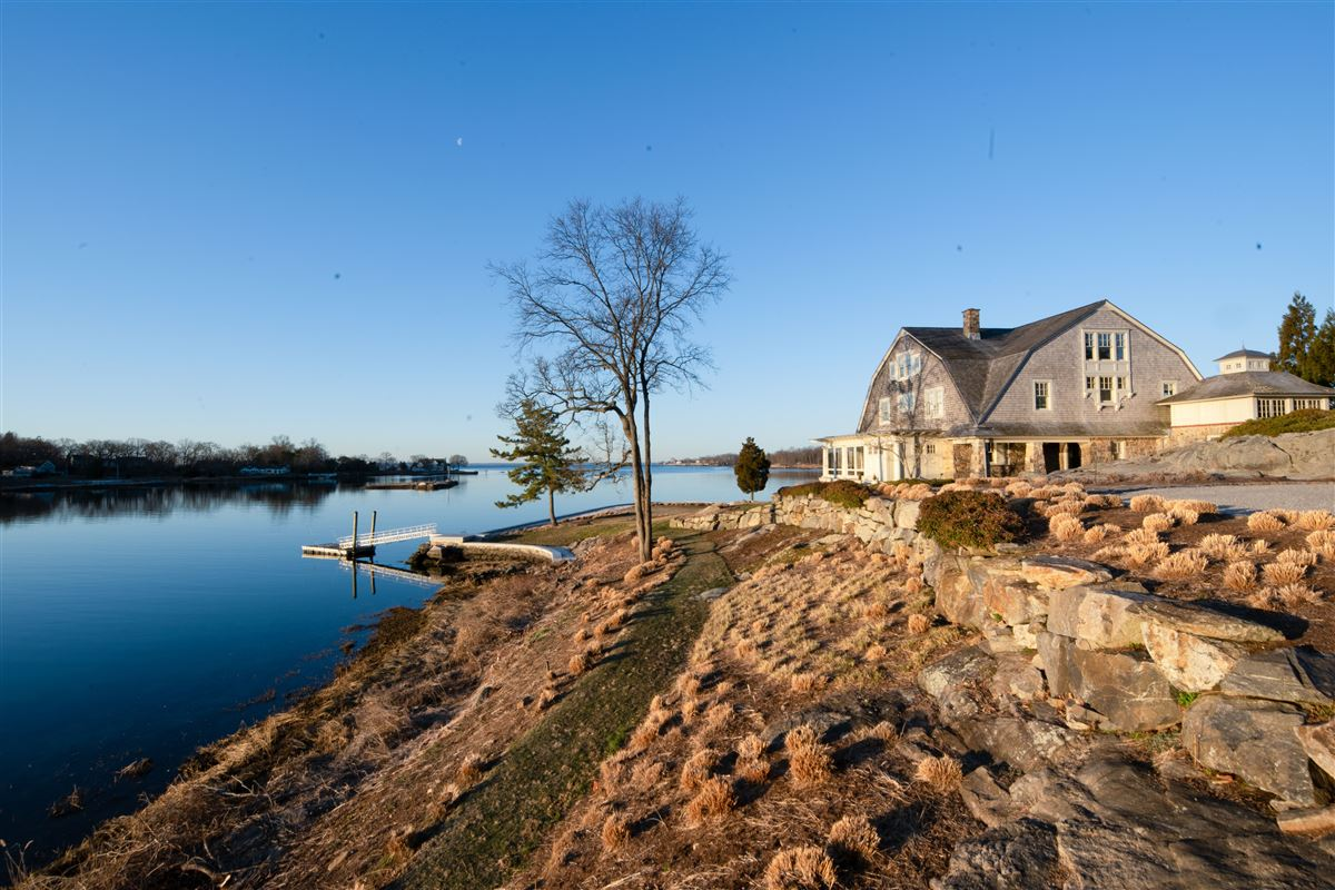 Mansions historic Tokeneke waterfront property