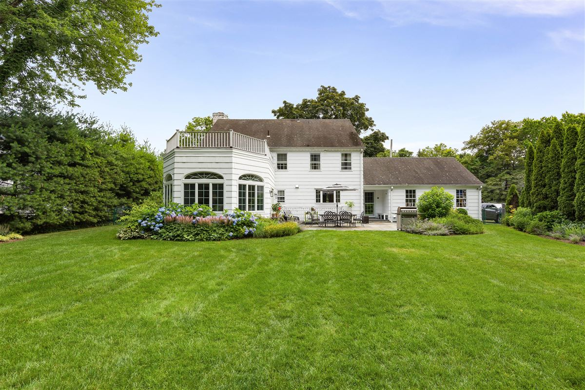 picture perfect center hall colonial luxury real estate