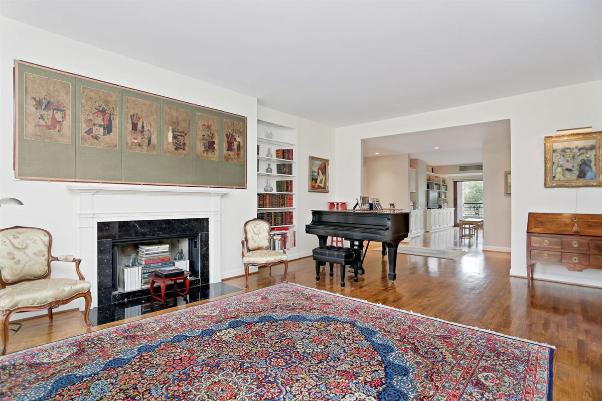 Luxury real estate Beautifully Maintained Home in Greenwich