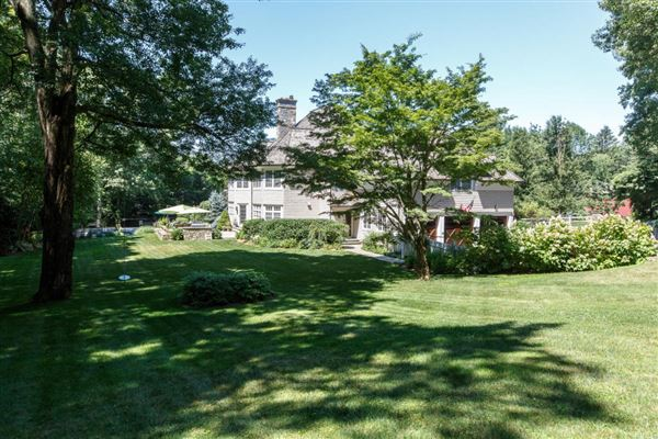 Luxury real estate classic Woodcrest stone and shingle Colonial