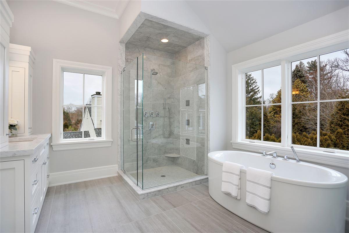 Spectacular new construction luxury properties