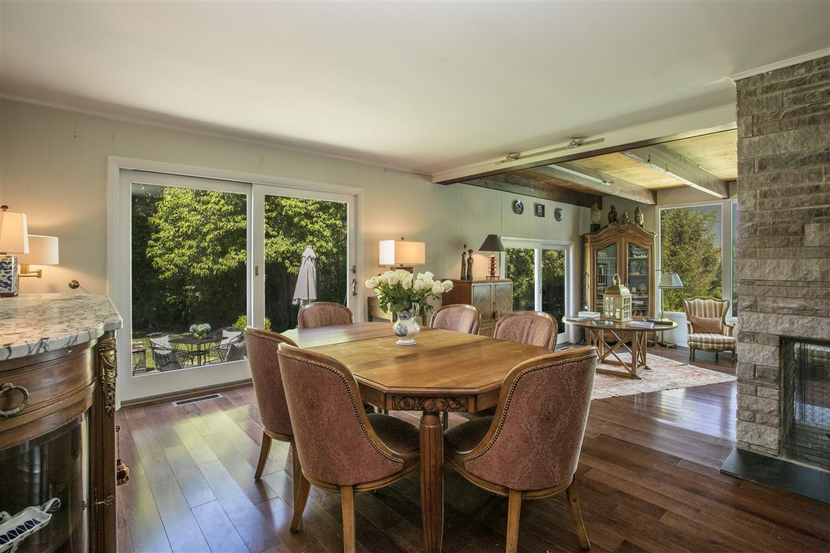 Luxury real estate distinct mid-century home
