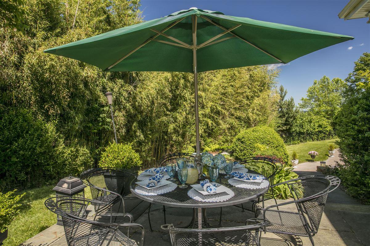 Luxury properties distinct mid-century home