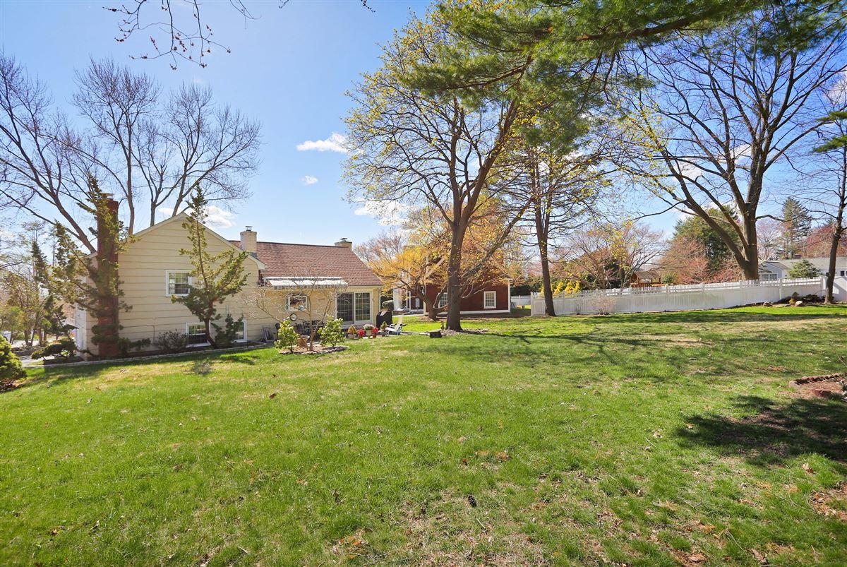 Inviting three bedroom split-level ranch luxury properties