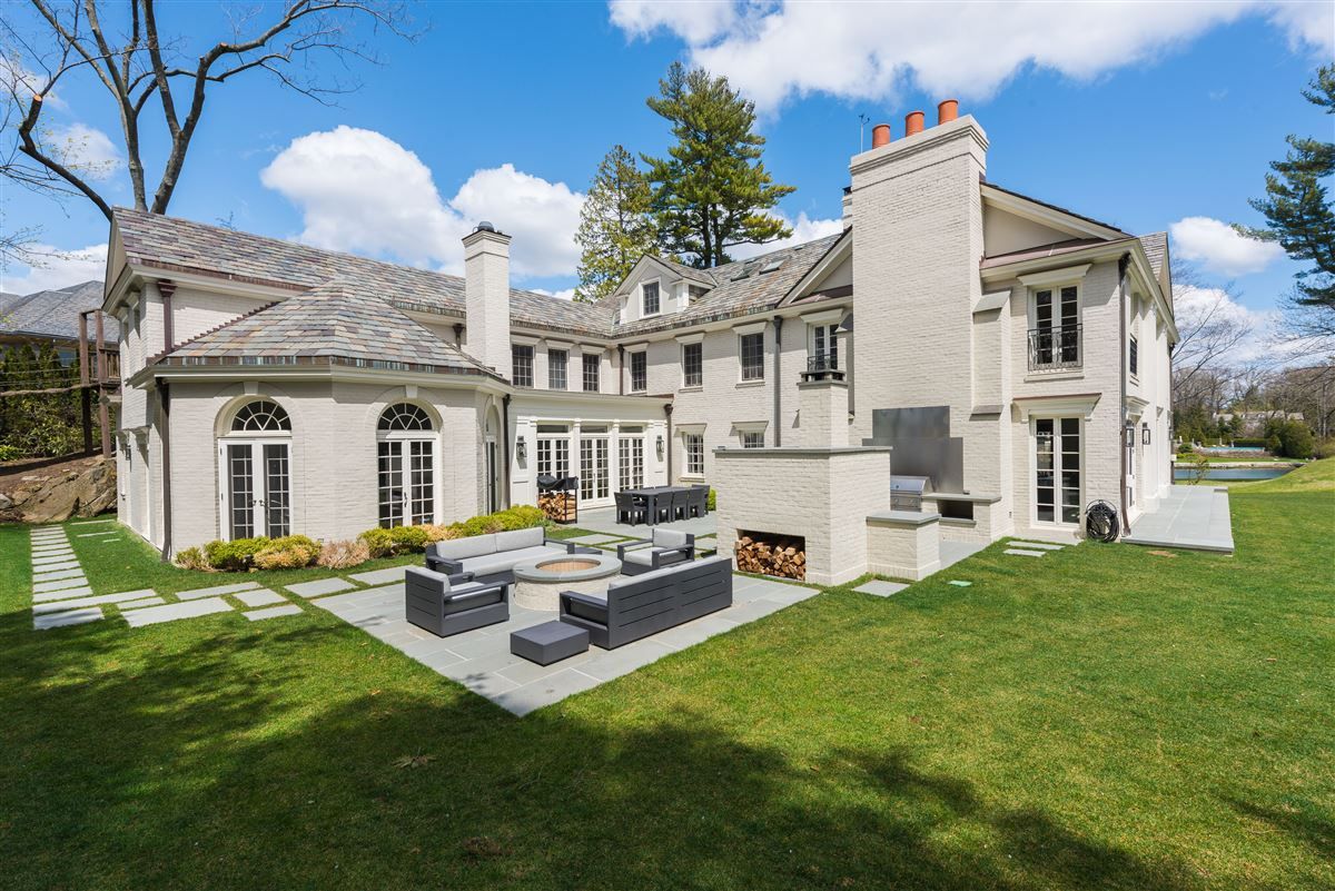 renovated waterfront Georgian Colonial  luxury homes