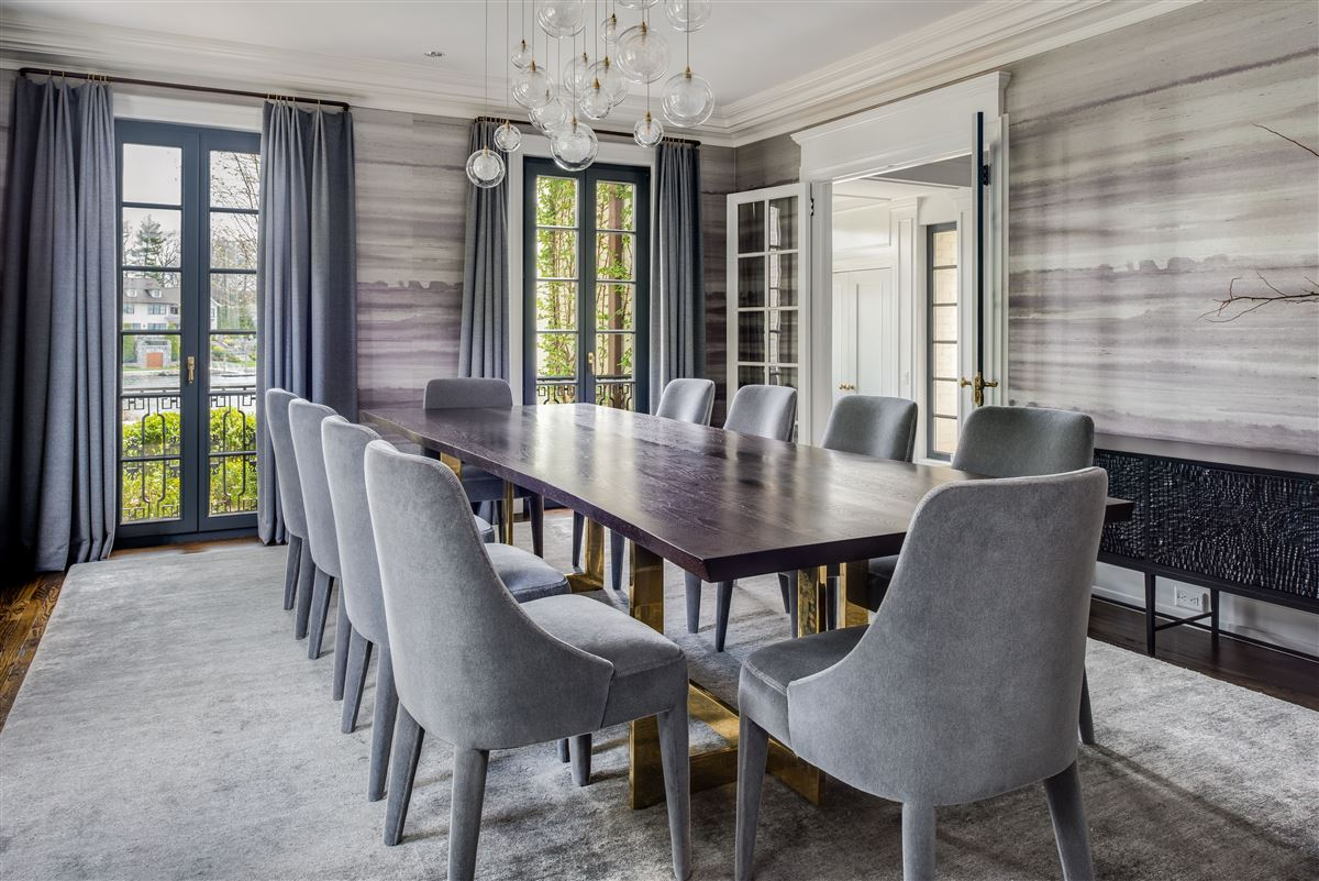 Luxury homes in renovated waterfront Georgian Colonial