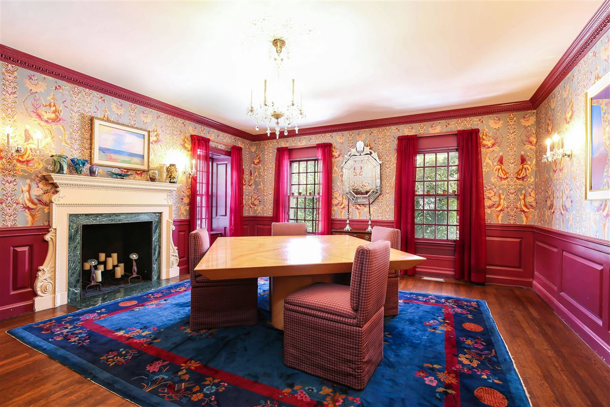 Stately Murray Hill colonial luxury homes