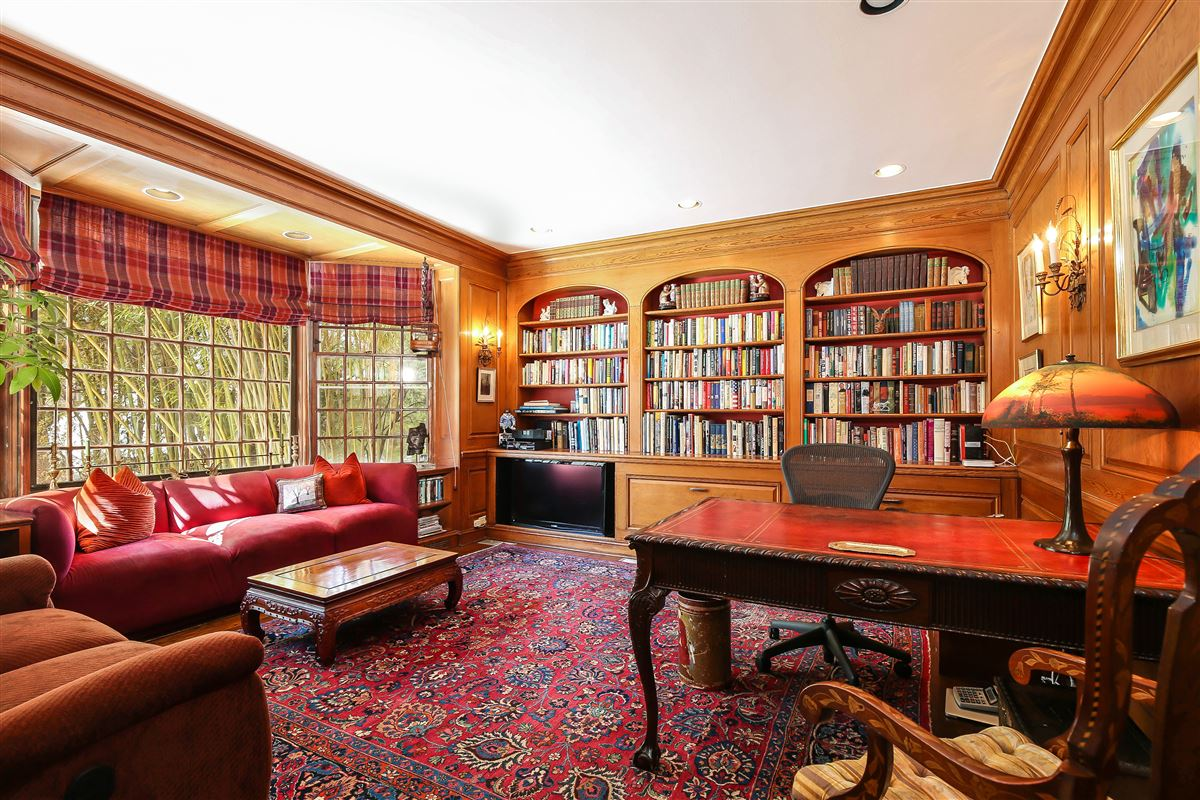 Luxury real estate Stately Murray Hill colonial