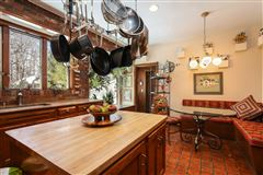 Stately Murray Hill colonial luxury properties