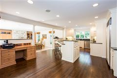 stunning recently renovated colonial luxury homes