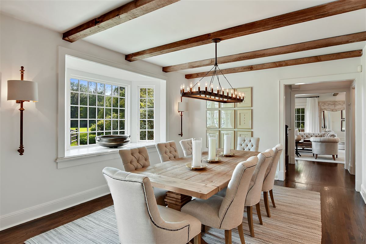Luxury properties In town country living at its best