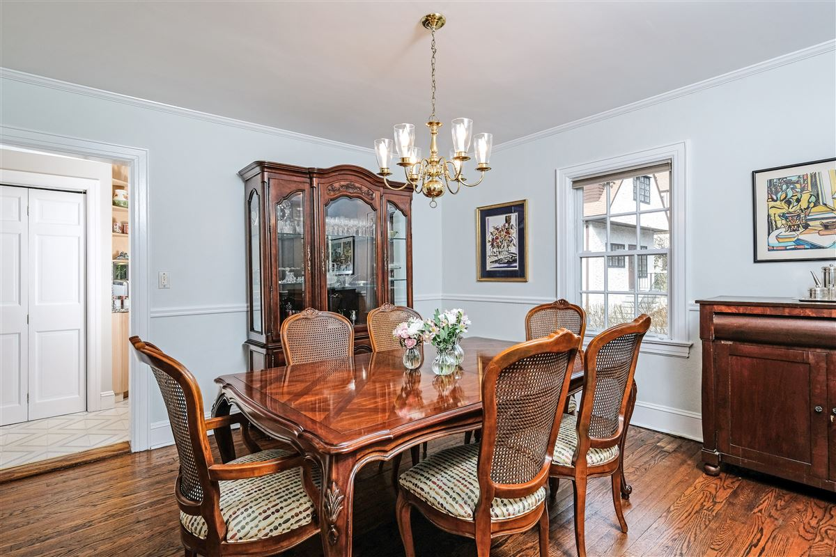 Village of Larchmont Tudor style home luxury homes