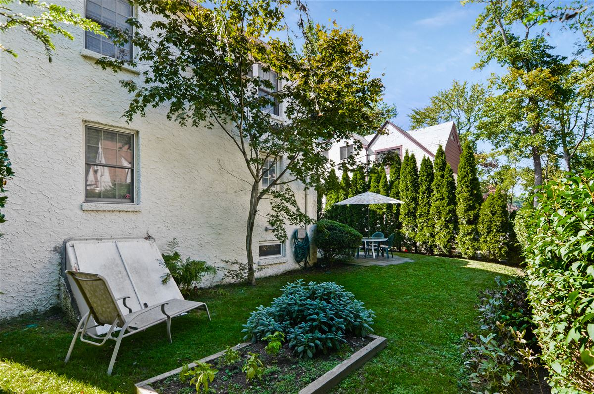 Mansions Village of Larchmont Tudor style home