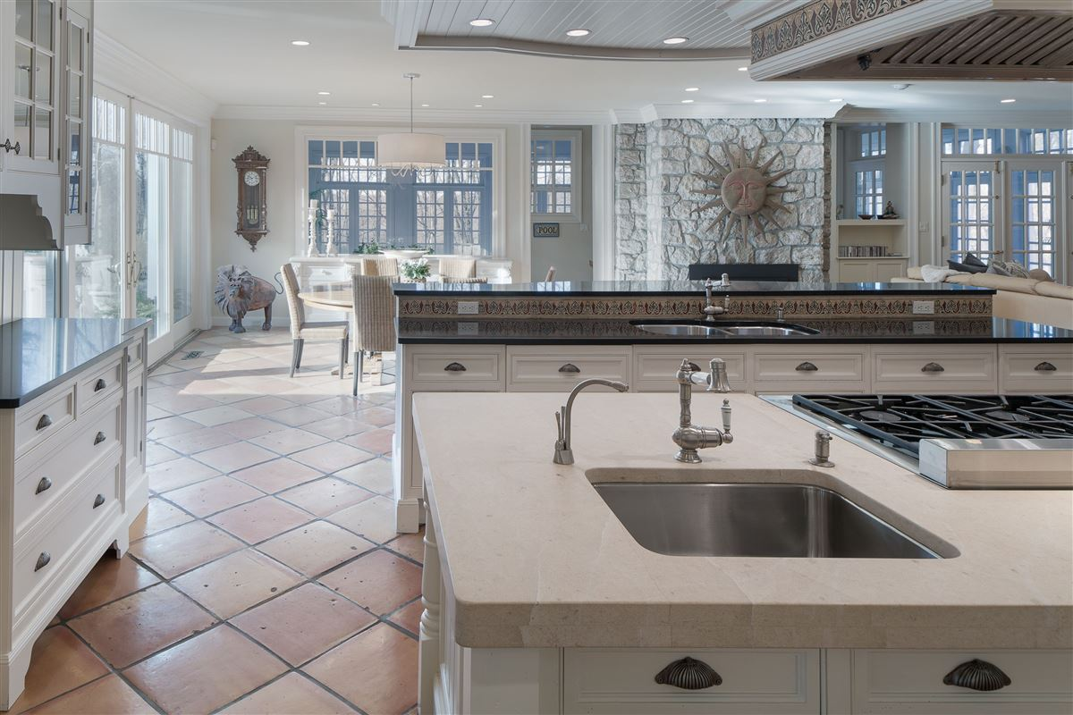 Gated property on 13 private acres luxury real estate