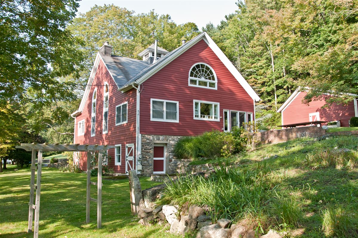 Wonderful And Unique Converted Barn New York Luxury Homes