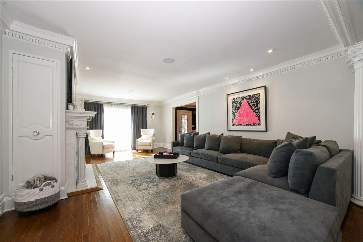 Luxury homes an exquisite Mediterranean in Beechmont Estates