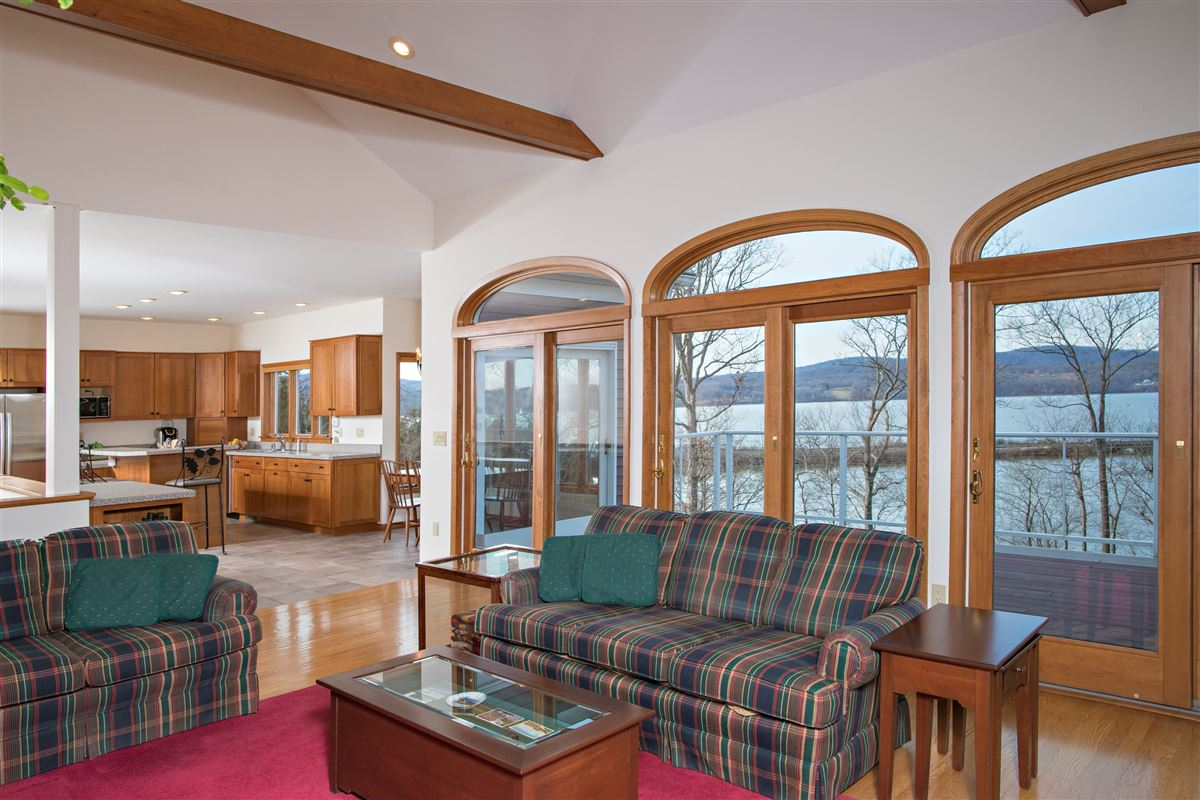 Your own Hudson River paradise mansions