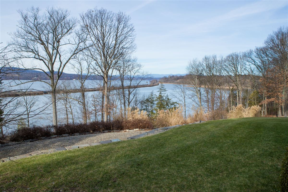 Luxury real estate Your own Hudson River paradise